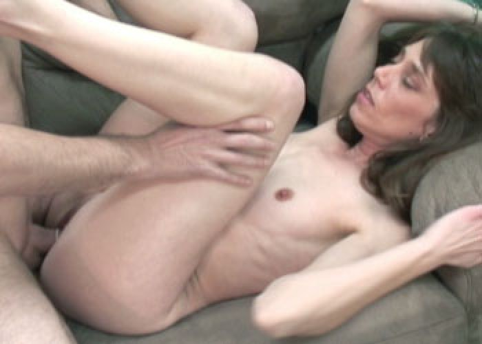 Brunette MILF Samantha fucks Mike